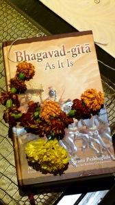 120 roupies (1,41 euro) pour les 920 pages du pivot littéraire de la pensée indienne