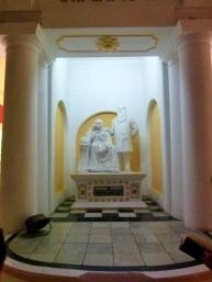 Statues de Helena, Petrovna Blavatsky et Henry Steel Olcott, les deux fondateurs de la société théosophique