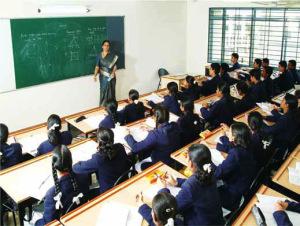 L'Inde consacre bien moins de fonds pour l'éducation que les autres pays de l'OCDE - environ 3,7-3,8% du PIB national